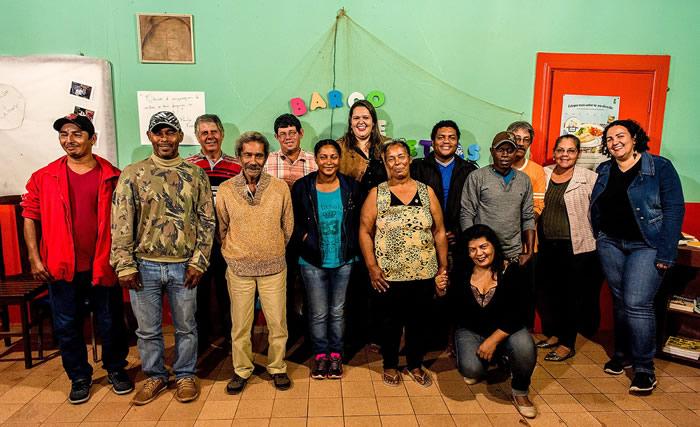 Livre de grammaire brésilienne offert pour l'amazonie